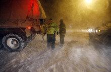 [화보] 美 동북부 눈폭풍, 5개주 '비상사태'…항공기 7700여편 발묶여