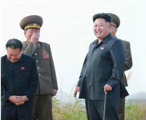 北 김정은, 재등장 5일만에 軍시찰…이설주도 45일만에 모습 드러내