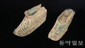 [화보] 전남 나주서 백제 금동신발 발굴…연꽃장식 기법 최정점