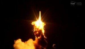 [영상] 美 항공우주국, 무인 화물로켓 발사 직후 폭발