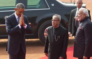 [화보] 인도 방문한 오바마 美대통령… '인도식 인사?'