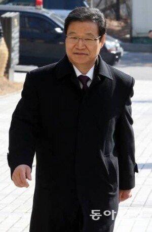 '수사 은폐 혐의' 김용판 전 서울경찰청장, 무죄 확정… 권은희 증언 기각