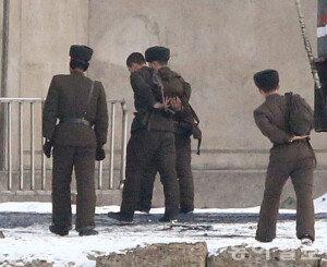 북한, 감시 강화로 탈북자 줄어들었다… 뇌물 받고 탈북 못하게 관리들까지 단속