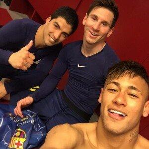 '엘클라시코' 바르셀로나, 레알 마드리드에 2-1 승리…MSN 기념 인증샷