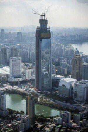 롯데월드타워 100층 돌파… 완공 전임에도 세계 초고층빌딩 10위권 진입