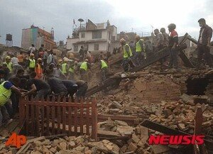 네팔, 비상사태 선포…최대 10만 명 인명피해