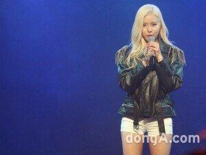 김예림, 세번째 미니앨범 '심플 마인드' 발표… 음원차트 돌풍 예고