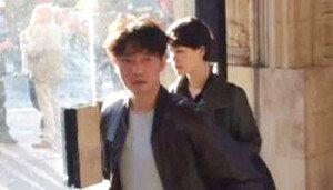 김정일 차남 김정철, 김정은 집권 이후 첫 등장… 英 에릭 클랩튼 공연 관람