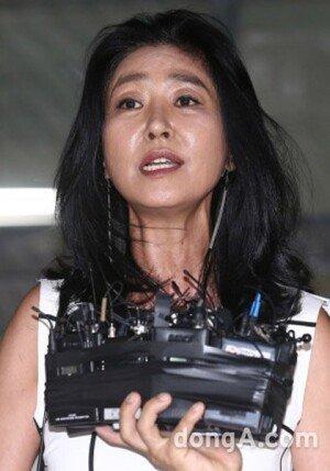 """김부선, '엄마가 보고 있다' 부당 하차 주장… 제작진 """"전반적인 개편 의도"""""""