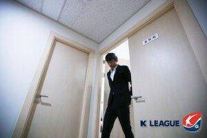 """'보복 폭행' 한교원, 6경기 출전 정지·벌금 600만원 징계 """"죄송하다는 말 뿐"""""""