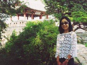 """'한국 추방' 신은미, 북한 입국 후 근황 """"통일 염원 한반도기 펼쳐 들었다"""""""