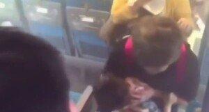 [영상] 일본 신칸센, 운행 중 승객 분신으로 화재 '2명 사망'