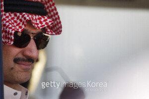 '세계 부자 32위' 억만장자 사우디 왕자, 전 재산 35조 기부… 종교·빌게이츠 때문