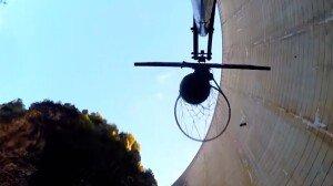 [영상] 126.5m 높이서 던진 농구공, 슛 성공… 기네스 최장 기록