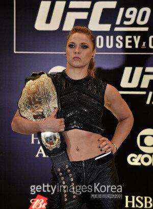 [화보] 'UFC 190' 미디어데이 현장…론다 로우지의 '명품 근육'