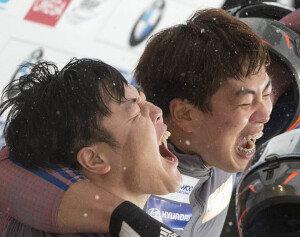 한국 봅슬레이, 월드컵 3위 함성…평창 올림픽 메달 청신호