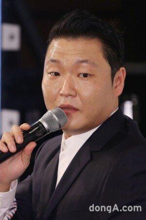 """@'칠집싸이다' 싸이 """"신곡, '강남스타일'만큼 성공 못할 것"""""""