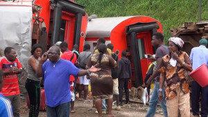 카메룬에서 열차 탈선… '최소 70명 사망'