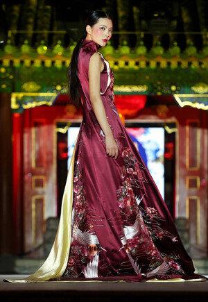 [화보] 베이징 패션쇼… '내년 봄-여름 패션 스타일은?'