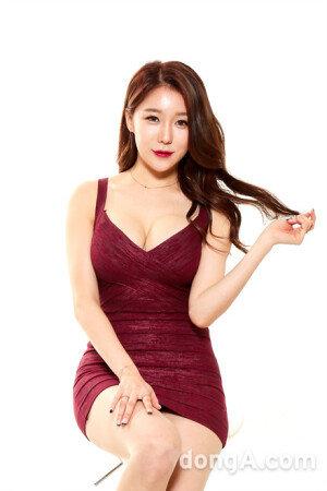 [VS포토]레이싱모델 민채윤, 베이글녀 종결자?
