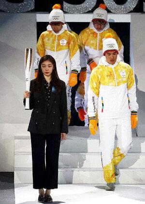 '피겨 여왕' 김연아가 선보인 평창 겨울올림픽 성화봉