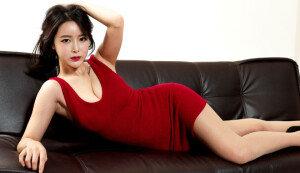 섹시하고 귀여운 신인 레이싱 모델 '소이'