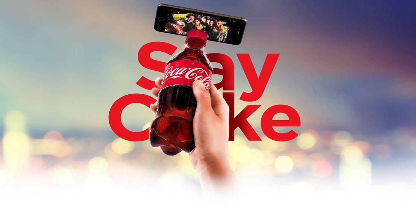 패키지로도 광고한다. 코카콜라 셀피 보틀!