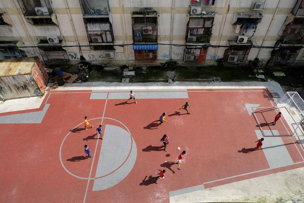 버려진 공간을 아이들을 위한 축구장으로 변화시키다!
