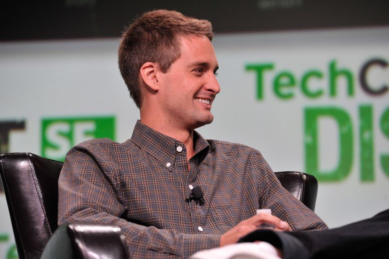 [CEO 열전: 에반 스피겔] 넘기엔 너무나 거대한 페이스북의 벽...철없는 20대 셀럽이라는 점도 불안요소