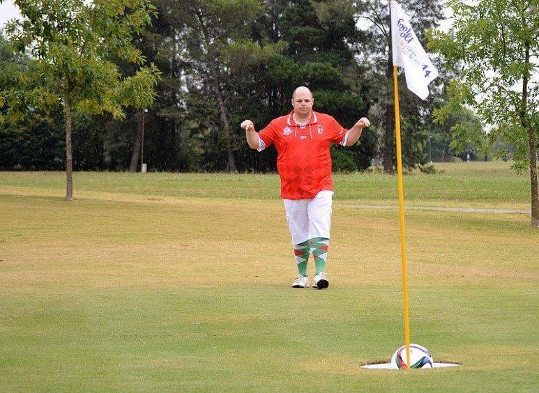 축구공으로 골프를 한다? 참신한 아이디어의 시작, \