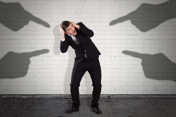 욕 먹고 있는 前직장이 내 구직을 망친다?