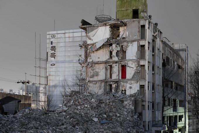 Jihyun Jung, Demolition site, 02 Outside, 2013, Pigment Print, 120x160cm.