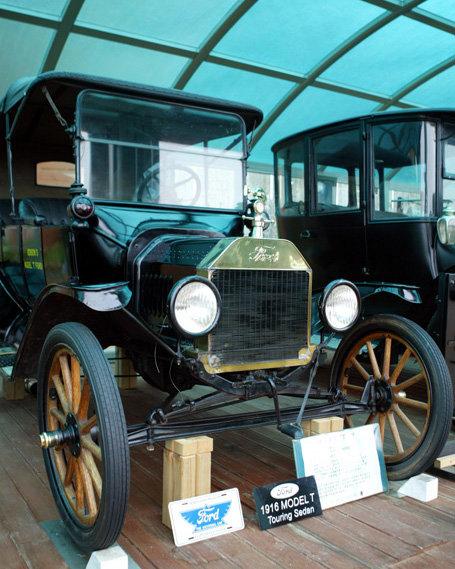 1914년 출시된 미국 포드사의 '모델T'는 노동자 처우를 개선함으로써 생산성을 비약적으로 향상하는 데 성공한 대표 사례다.[뉴시스]
