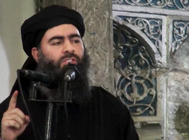 지난 2014년 7월 5일 인터넷에 공개된 다에시의 최고지도자 아부 바크르 알 바그다디.[뉴시스]