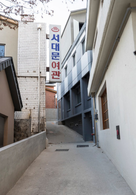 족보 없는 건축이 집결된 '돈의문 박물관 마을'