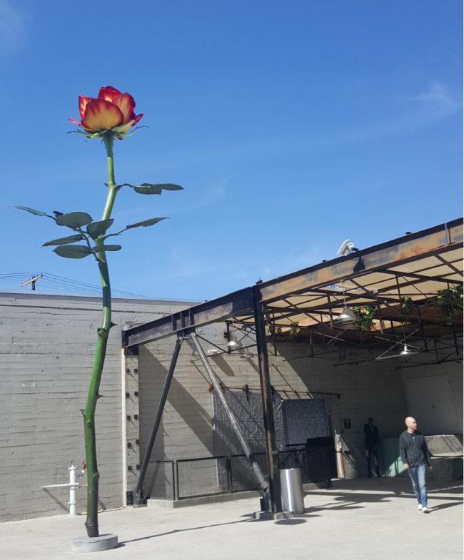 옛 제분 공장을 재생한 상업 화랑 '하우저 앤드 워스'의 아트 디스트릭트 갤러리. [강지남 기자]