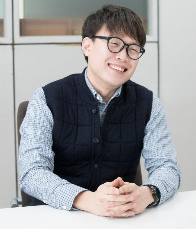 한국인 최초 난민구조선장 김연식. [지호영 기자]
