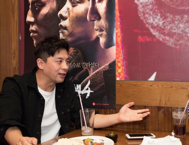 어린 시절 성룡 영화를 보며 액션 배우의 꿈을 키운 권오중은 '영웅본색'을 통해 새로운 세계를 만났다. [조영철 기자]