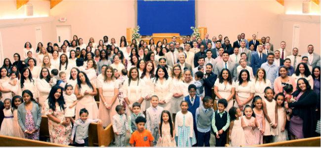 유월절을 지킨 후 기뻐하는 미국 FL 탬파 하나님의 교회 신도들.