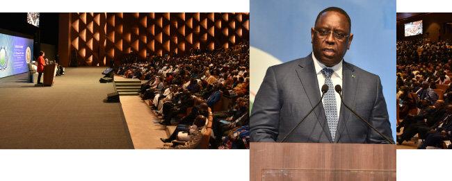 1월 19일 세네갈에서 열린 세계평화종교인연합 아프리카 창립식. 이 행사에서 기조연설을 하는 마키 살 세네갈 대통령.