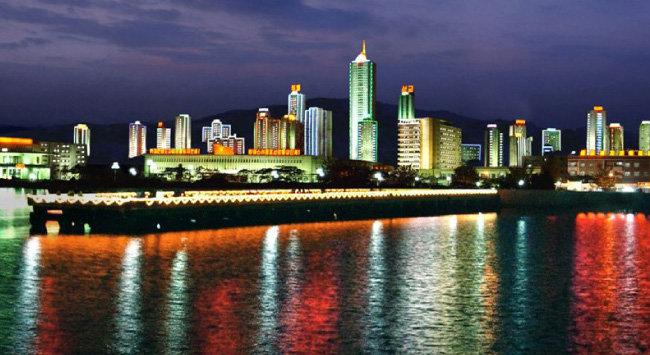 국제관광특구로 지정된 북한 원산의 야경. [동아DB]
