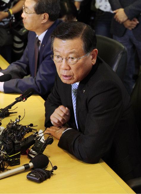 아시아나항공의 기내식 업체 변경 배경을 설명하고 있는 박삼구 회장. [박해윤 기자]