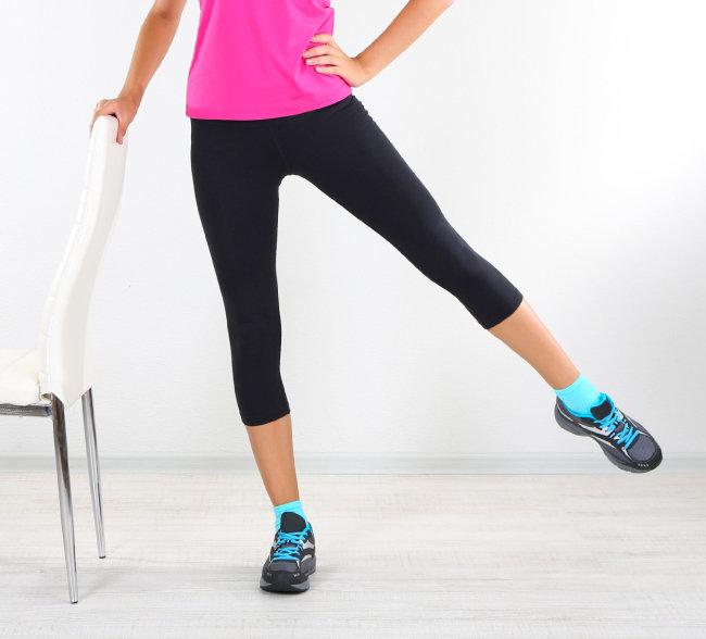 나이가 들수록 살처짐 현상을 막기 위한 근력운동이 필요하다.
