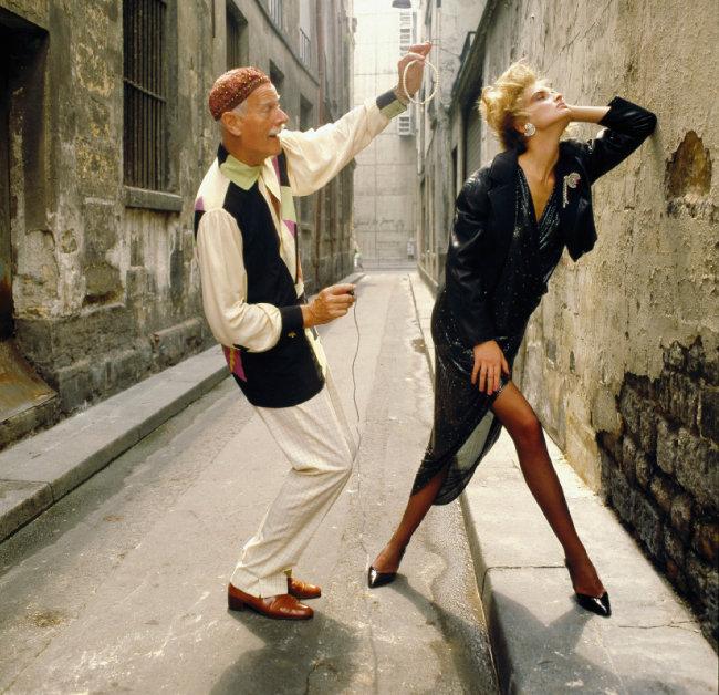 프랑스판 Vogue 촬영 중인 노만 파킨슨, 1983