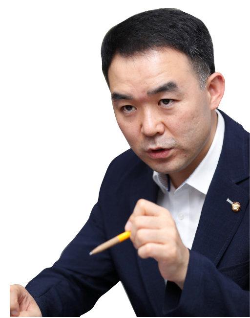 〈인터뷰〉 '장하성의 수제자' 채이배 의원