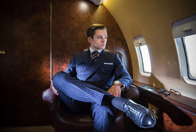 2014년 개봉한 영화 '킹스맨'은 슈트가 남자를 얼마나 달라 보이게 하는지 알려줬다. 딱 떨어지는 슈트핏을 선보인 주연 배우 테런 에저튼. [IMDb]