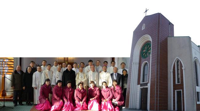 2015년 8월 15일 남측 사제들이 평양 장충성당에서 북측 신자들과 미사를 봉헌했다.