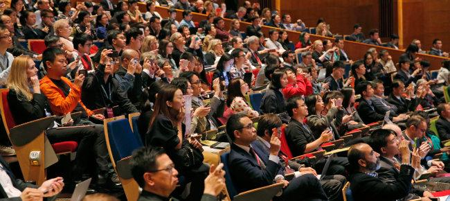 2018년 11월 홍콩에서 열린 제2회 국제인류유전자편집회의. 중국 과학자 허젠쿠이는 이 자리에서 자신이 세계 최초로 유전자 편집 아기 출산에 성공했다고 주장했다. [뉴시스]