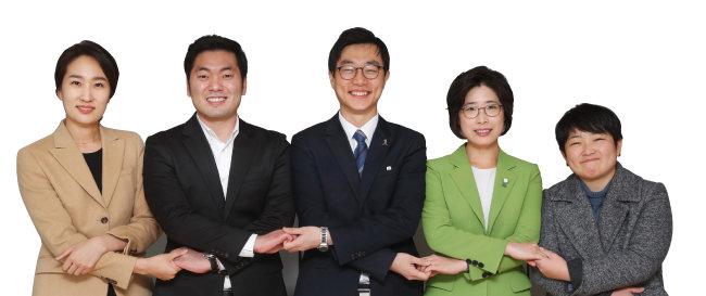 왼쪽부터 김수민, 정현호, 장경태, 서진희, 정혜연. [김형우 기자]