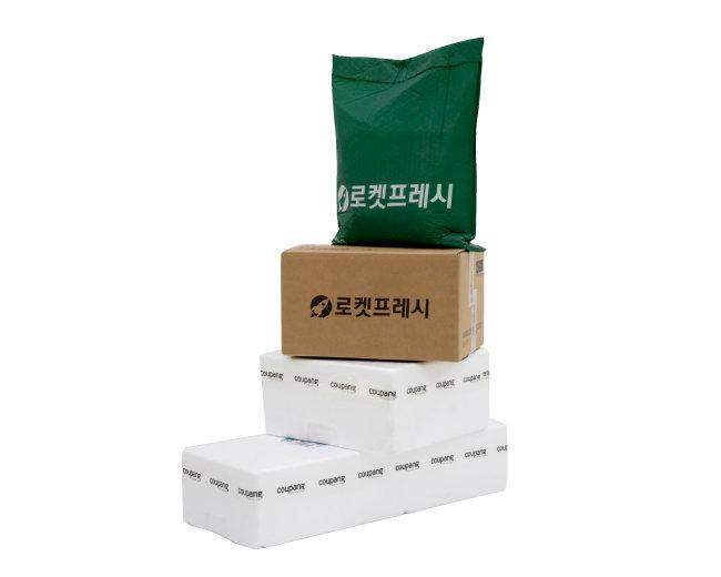 쿠팡은 지난해 10월 신선식품을새벽에 배송해주는 '로켓프레시' 서비스를 개시했다. [홍중식 기자]